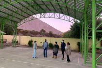 Mejoran Sistema eléctrico y construyen techumbre en la escuela de Chapilca