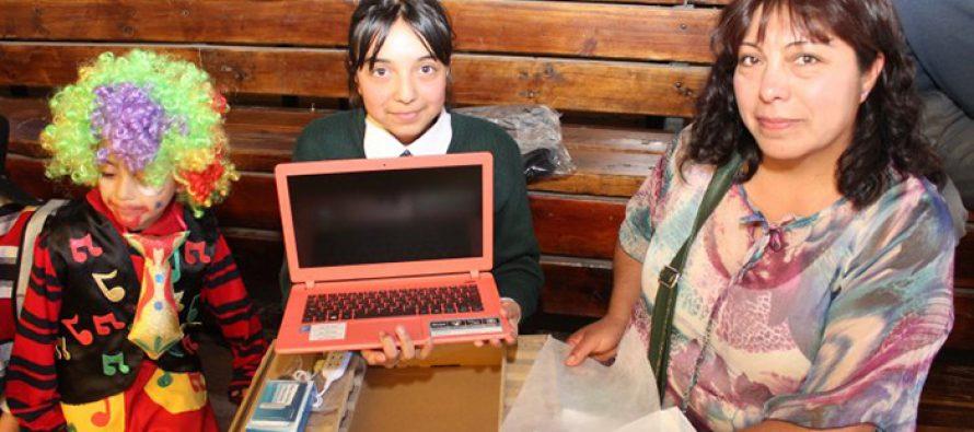 Para el 4 de mayo se entregarán computadores para estudiantes de séptimo básico de Vicuña
