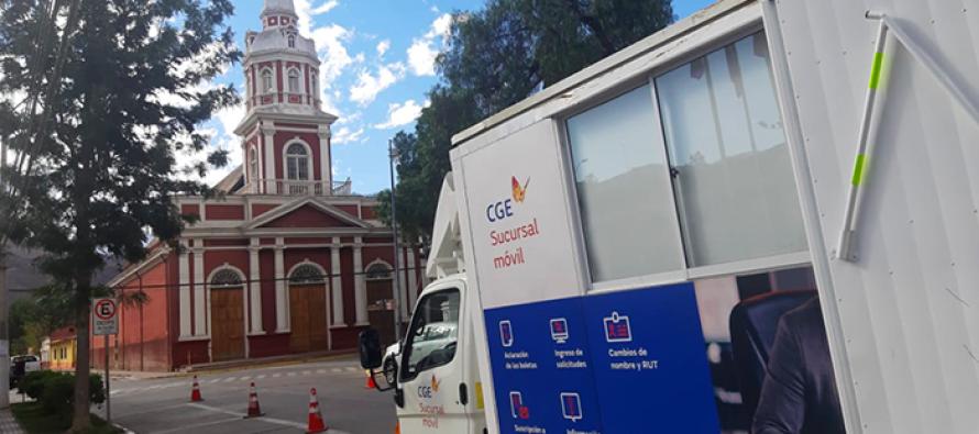 Oficina móvil de CGE atendió en Vicuña consultas y reclamos por las cuentas de electricidad