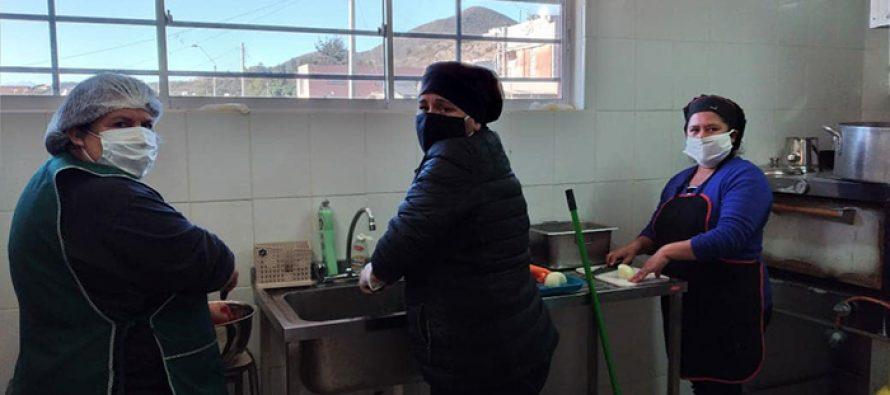 Vecinos de Algarrobito se unen en torno al comedor humanitario
