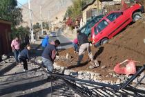 Dos vehículos fueron arrastrados por un derrumbe en Pisco Elqui