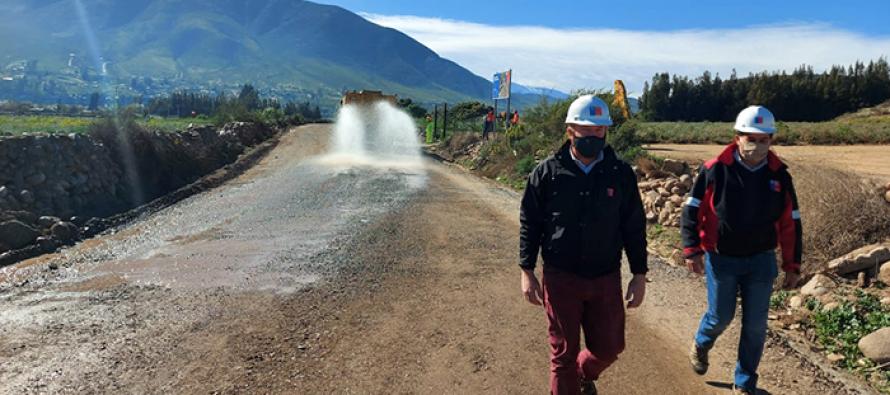 MOP avanza en pavimentación de ruta interior que une El Rosario con Las Rojas en La Serena