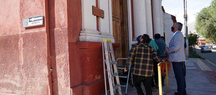 Calle Gabriela Mistral de Vicuña cuenta con 16 placas conmemorativas a nuestra premio Nobel