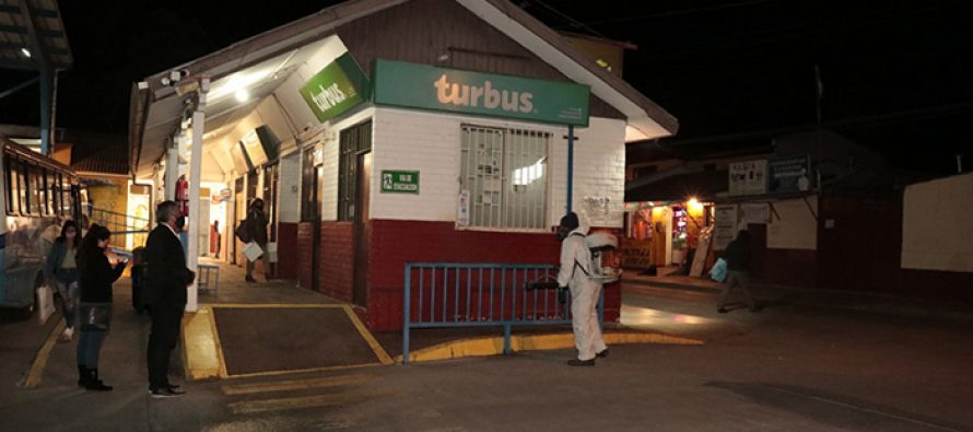 Municipio de Vicuña realiza sanitización en infraestructura pública del Terminal de Buses