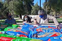 Donan alimento para perros y gatos a organización animalista de Vicuña