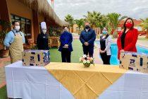 Trabajadores del sector turístico y gastronómico regional reciben cajas de Alimentos para Chile