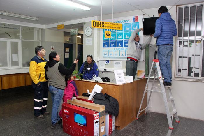 Photo of Familia Torres se pone a tono con el mundial y hace donación de 10 televisores para el hospital