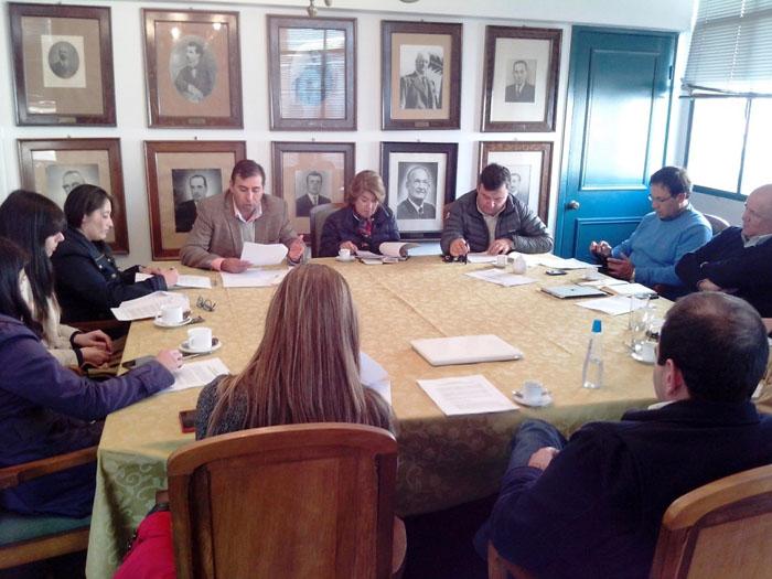 Photo of Multigremial analiza con diputado Gahona las modificaciones a la reforma tributaria