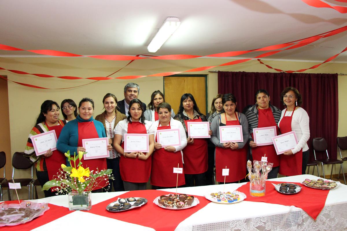 Photo of Mujeres de Vicuña comienzan a diversificar sus conocimientos en taller de chocolatería