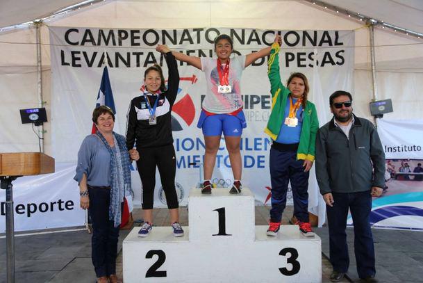 Photo of Deportistas del Colegio Antonio Varas se alzaron con título nacional de levantamiento de pesas