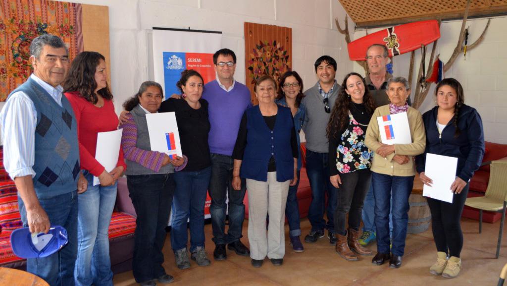 Photo of Comunidad agrícola Las Trancas de Puclaro recibe sus Goces Singulares