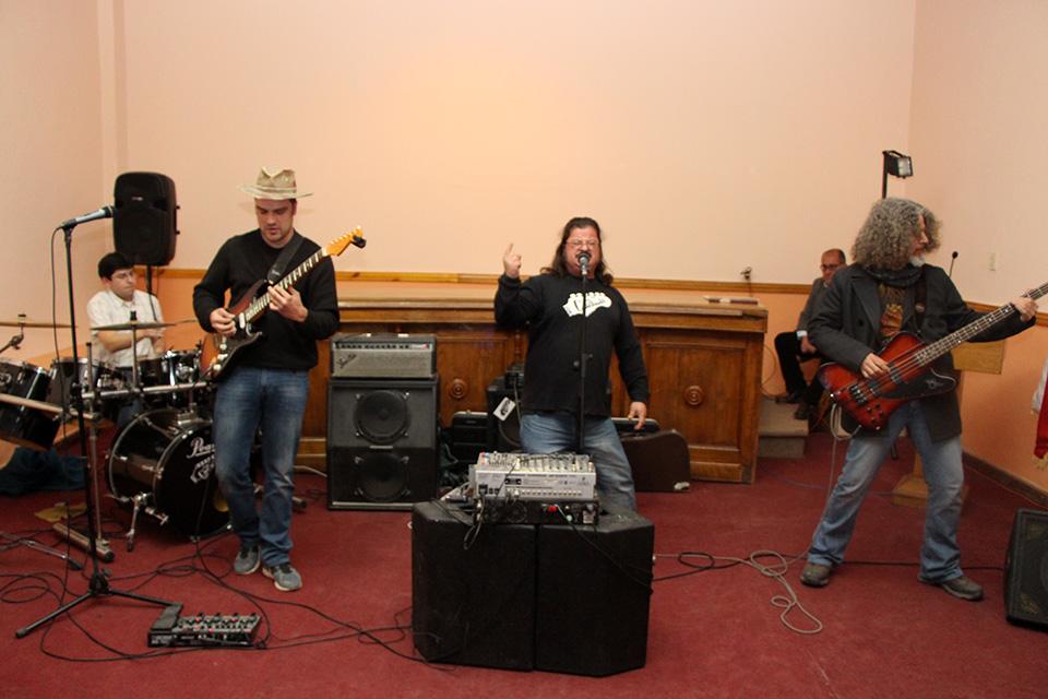 Photo of Rock, funk, hip-hop y pachanga local cerrarán esta Pampilla de San Isidro 2014