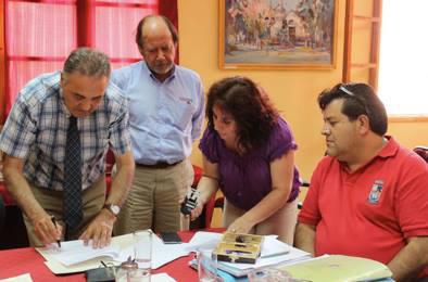 Photo of Alcalde Torres firma convenio de asesoría con La Araucana e Inmobiliaria Prohogar