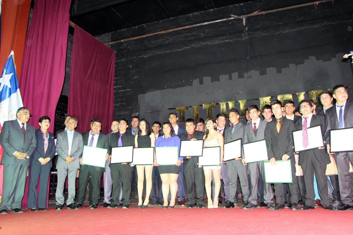 Photo of Destacan nivel de licenciados del área técnico profesional del Liceo Carlos Moncada de Vicuña