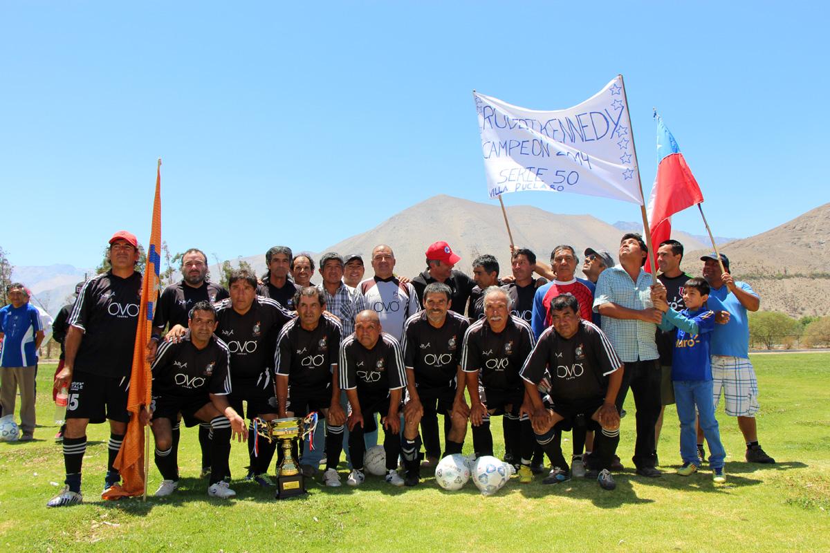 Photo of Robert Kennedy y San Isidro fueron los monarcas de la Liga Senior 2014 en el Valle del Elqui