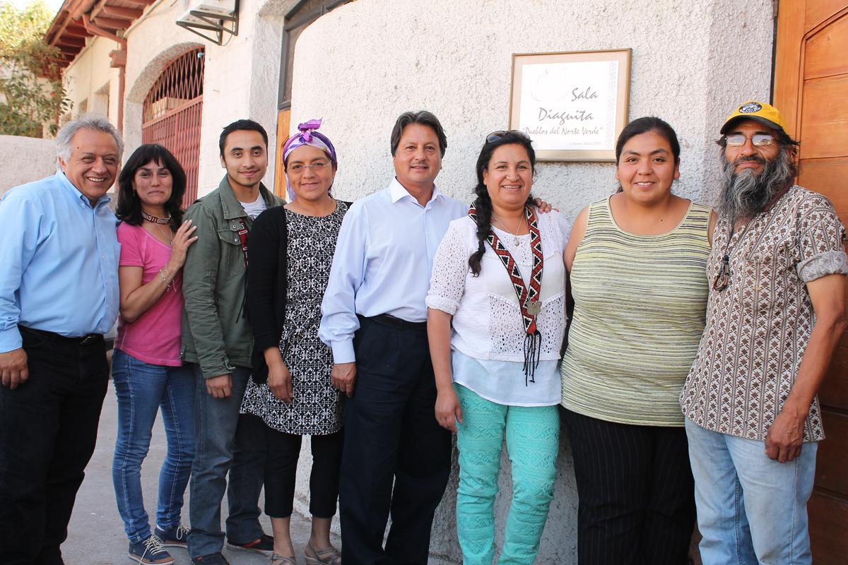 Photo of Acuerdan creación del Ministerio de Pueblos Indígenas con firmas de representantes