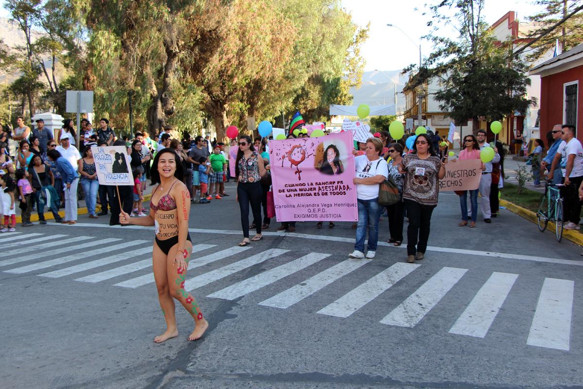 Photo of Mujeres elquinas se manifestaron por sus derechos en las calles céntricas de Vicuña