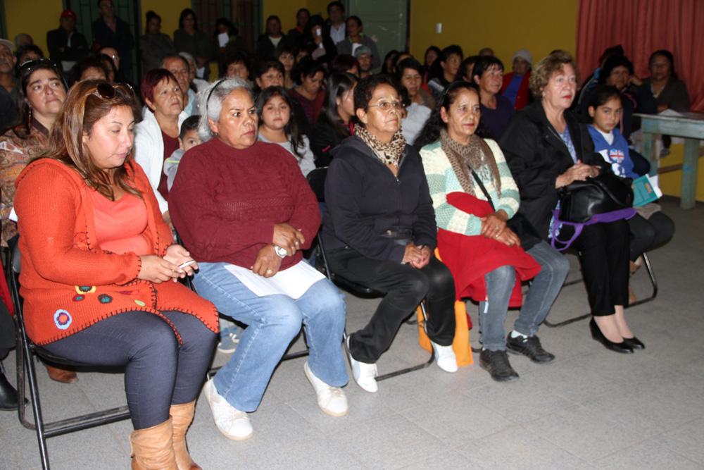 Photo of Vecinos de Altovalsol participan activamente en diálogo ciudadano por Ruta 41