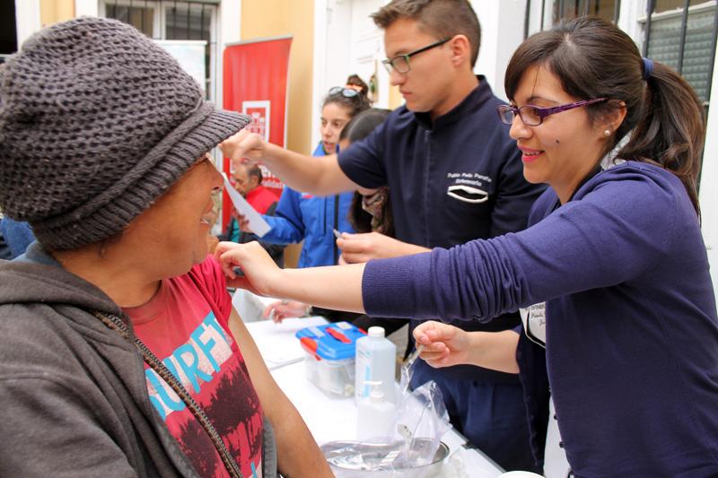 Photo of Inmunizan a decenas de personas en situación de calle en La Serena