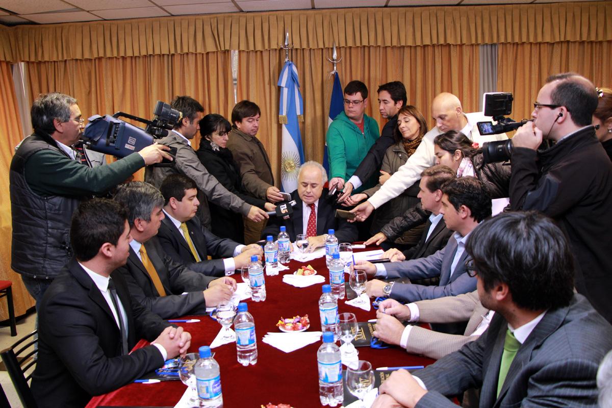 Photo of Alcaldes e Intendentes toman acuerdos en la senda de la integración binacional