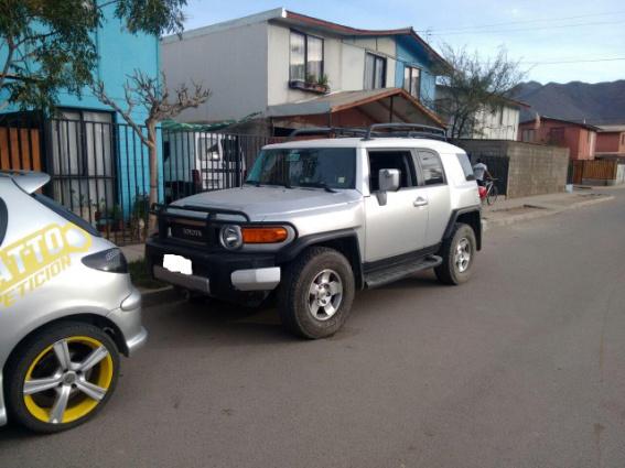 Photo of En Vicuña Carabineros recupera Toyota Cruiser robada en Peralillo