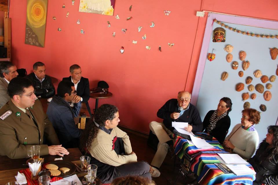 Photo of Invitan a la comunidad de la provincia a hacerse parte del concurso de poesía para la mujer elquina