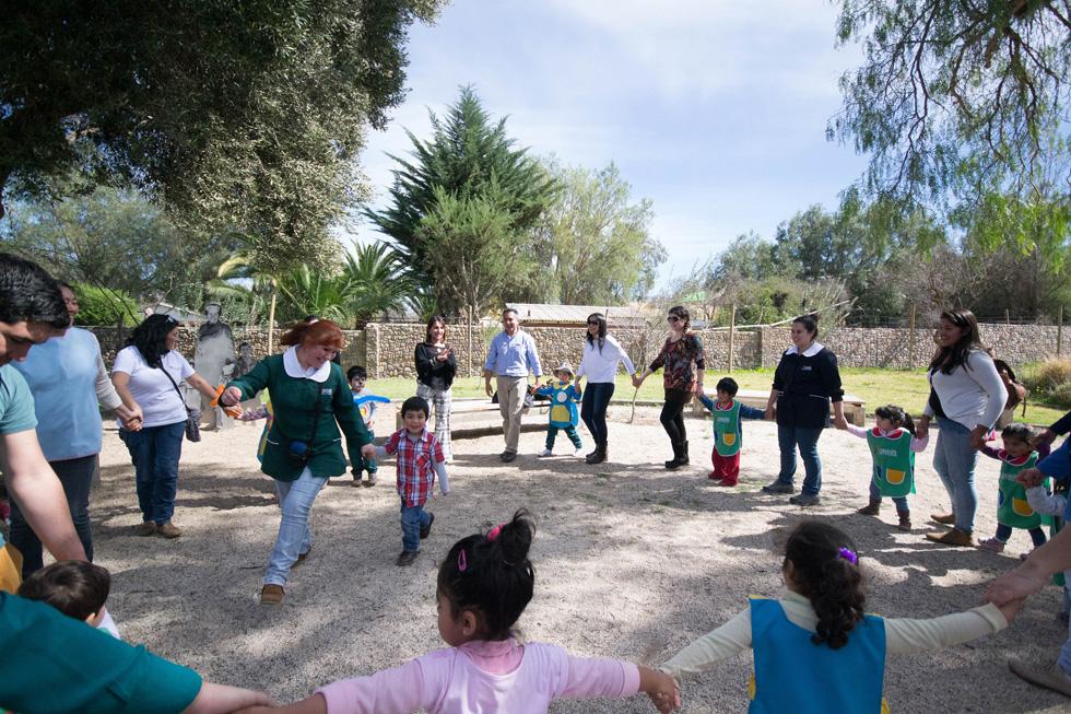 Photo of Con ronda infantil promueven el juego como derecho de la niñez en el Museo Gabriela Mistral