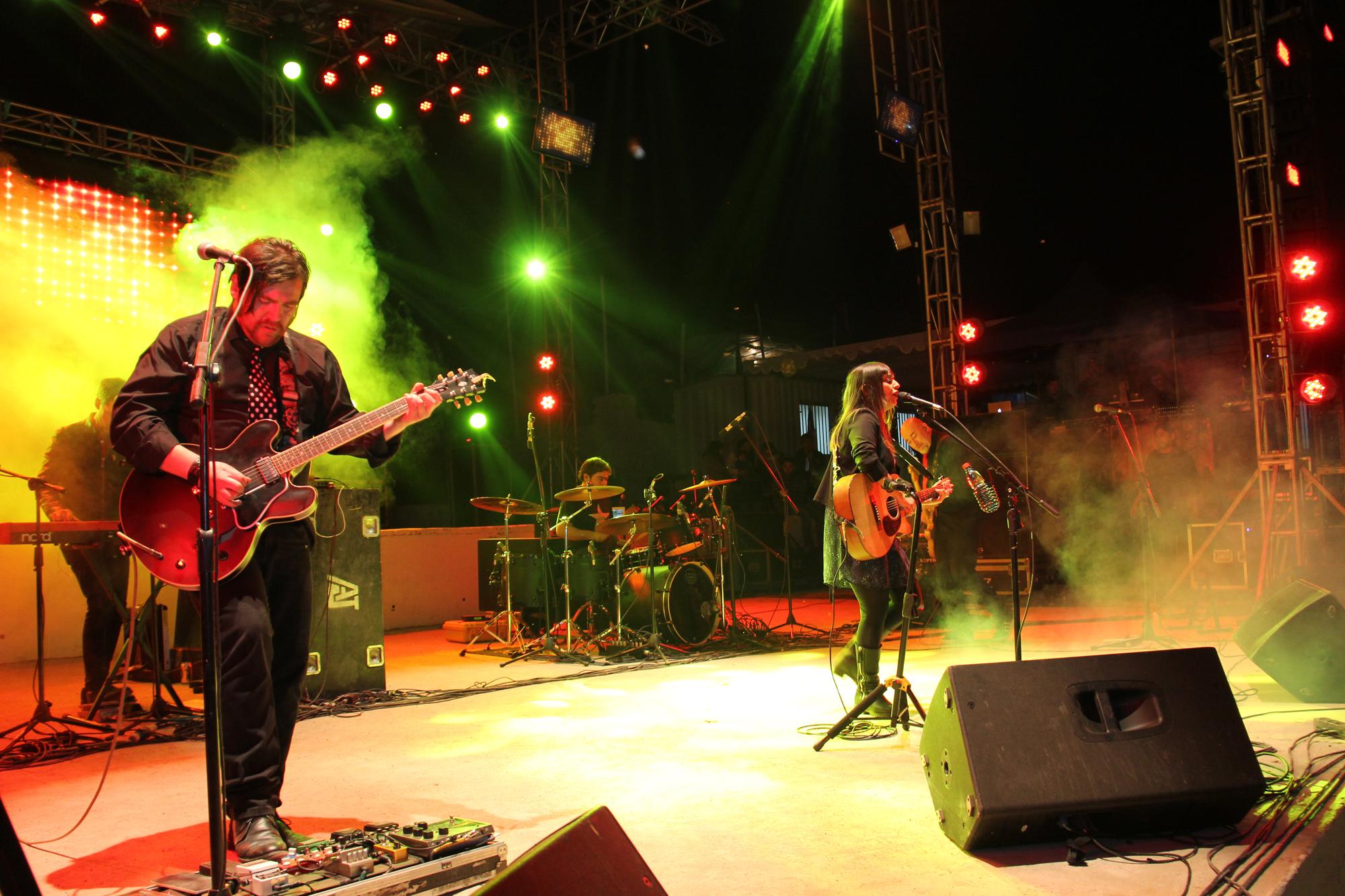 Photo of Javiera y Los Imposibles abrió el primer día de show de la Pampilla de San Isidro
