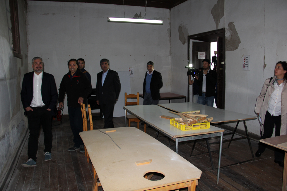 Photo of Ministro de Cultura visita dependencias culturales de Vicuña  para evaluar daños del terremoto