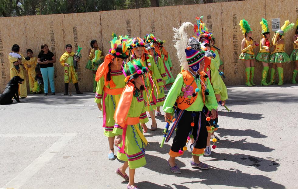 Photo of Estudiantes  de Peralillo llenan de color las calles de Vicuña con intervención urbana