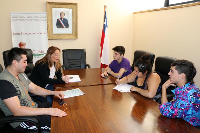 Photo of Cuatro estudiantes elquinos estudiarán de forma gratuita en la Universidad Nacional de San Juan