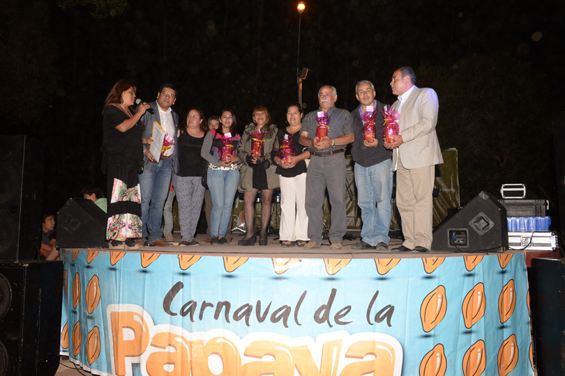 Photo of Con coronación de nueva reina se cierra última jornada del Carnaval de la Papaya de Altovalsol
