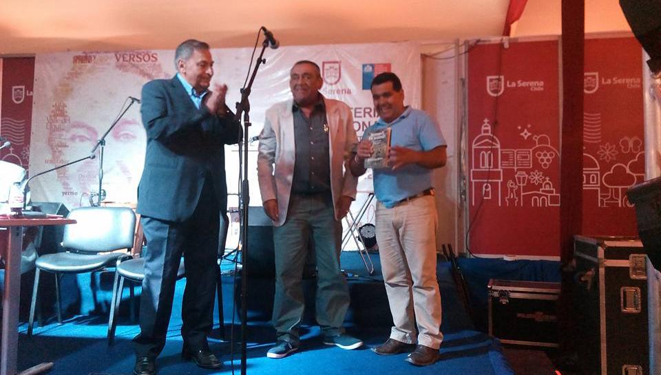 Photo of Con gran éxito se presentaron dos obras elquinas en la Feria del Libro de La Serena