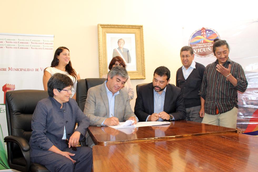Photo of Sernatur y Corporación Municipal de Turismo firman convenio de cooperación turística