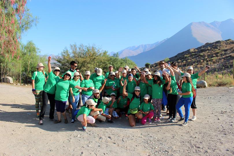 Photo of Niños de Rivadavia realizan jornada de trekking al cerro Peralillo junto al IND