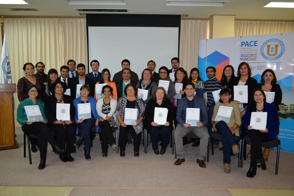 Photo of Profesores de los liceos de Vicuña y Paihuano reciben certificación CPEIP y diplomado UCN