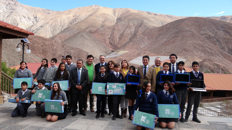 """Photo of Con """"Me conecto para Aprender"""" 49 estudiantes de  escuelas de Paihuano logran mayor inclusión digital"""