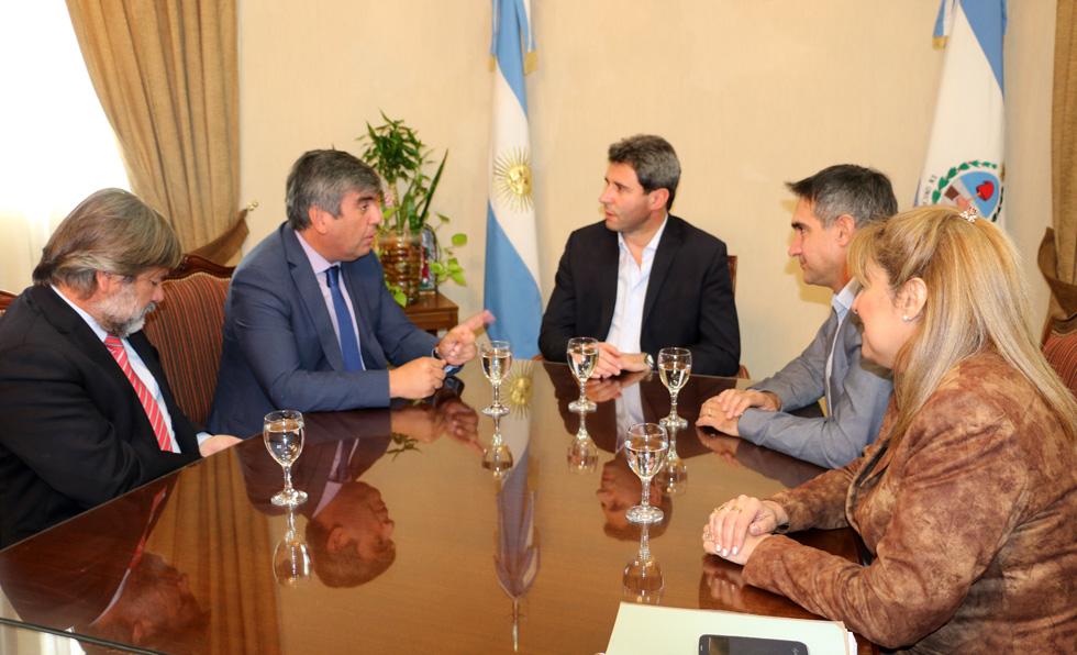 Photo of Alcaldes de la región e intendentes de San Juan se reunirán con ministro del MOP en Santiago