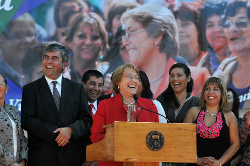 Photo of Presidenta Michelle Bachelet inaugura hoy la remodelación de la plaza de Vicuña
