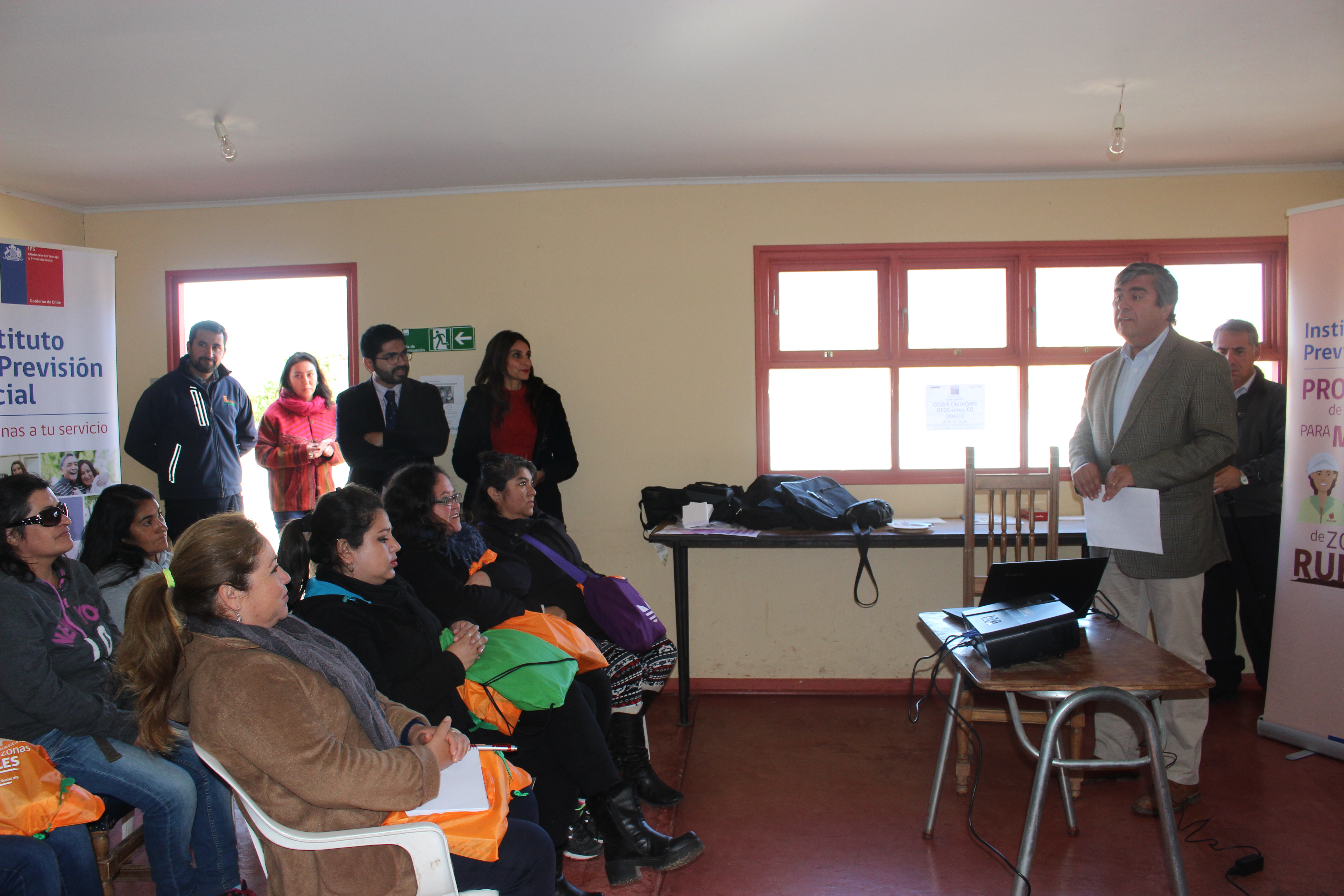 Photo of Realizan capacitación previsional a las mujeres de Gualliguaica