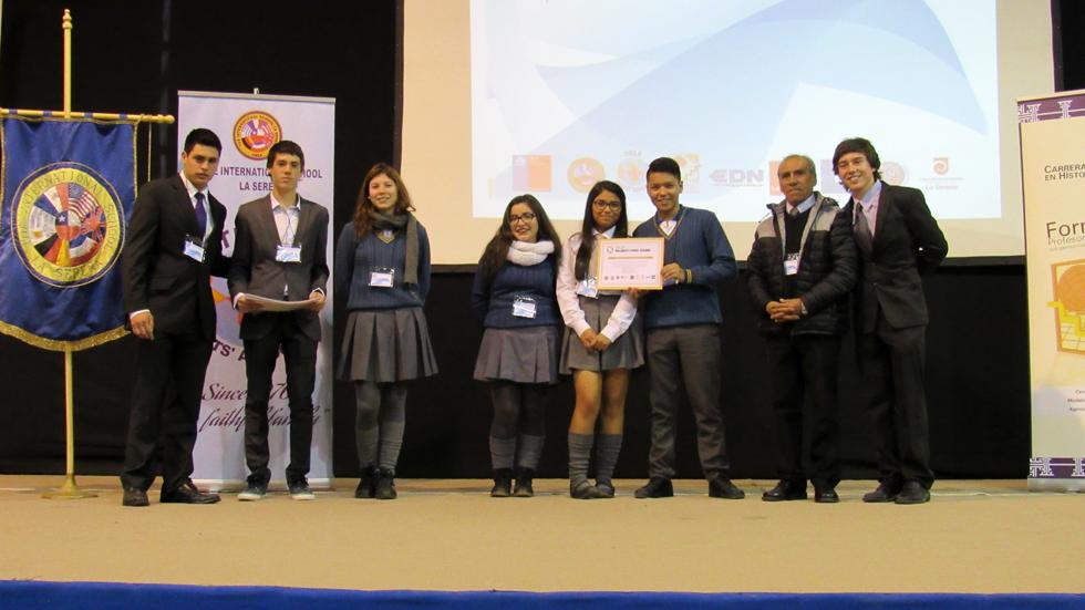 Photo of Estudiantes de Vicuña y Paihuano participan en III Parlamento Juvenil por la Paz y la Solidaridad