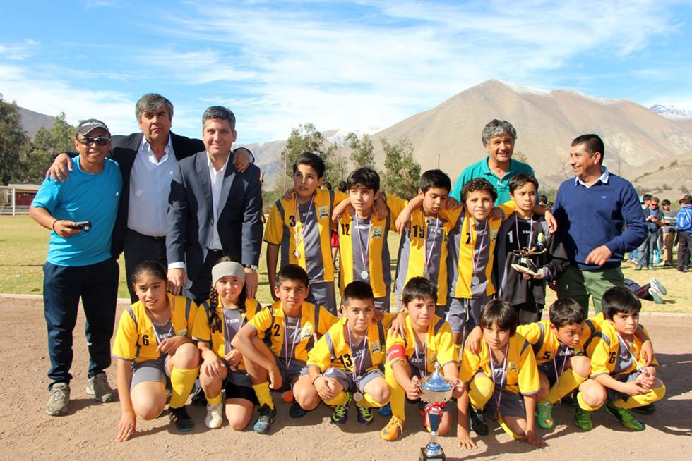 """Photo of Más de 900 niños competirán en el IV Torneo de Fútbol """"Haciendo Amigos"""" en el Valle de Elqui"""