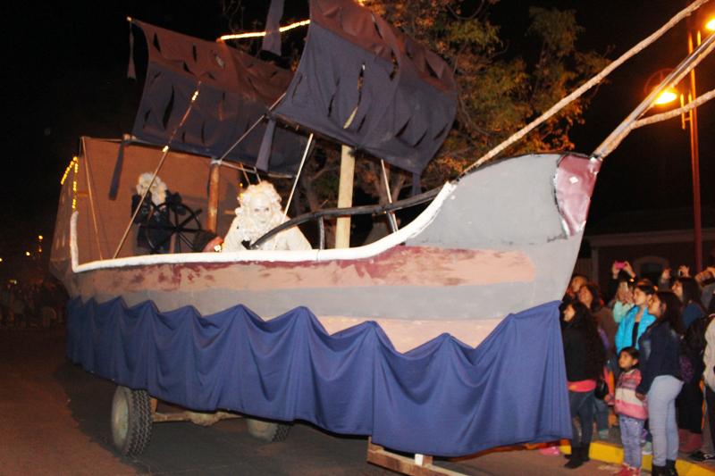 """Photo of """"El Caleuche"""" de El Tambo fue el carro ganador del Carnaval de Invierno de Vicuña"""