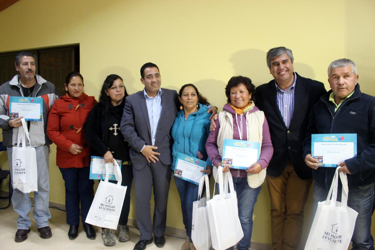 Photo of Vecinos de Talcuna se capacitan en eficiencia energética