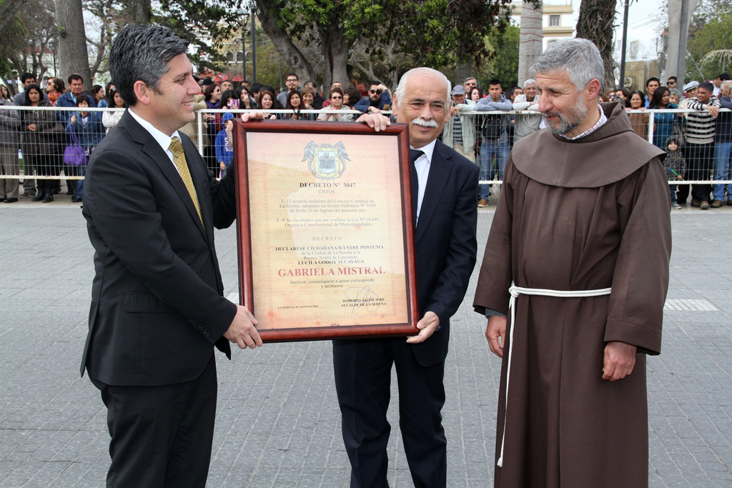 Photo of La Serena realiza reconocimiento póstumo a Gabriela Mistral solicitado por Intendente en aniversario 472 de la comuna