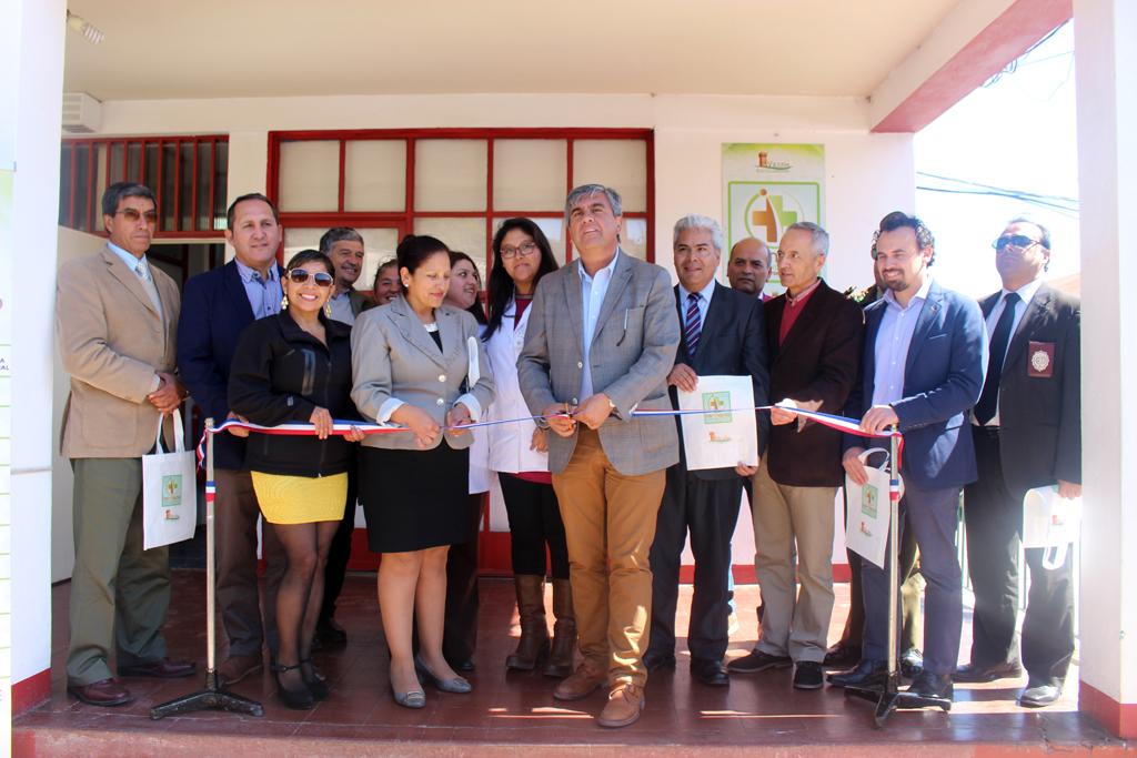 """Photo of Ante la alegría de los vecinos inauguran Farmacia Municipal """"Pedro Contreras Arancibia"""" de Vicuña"""