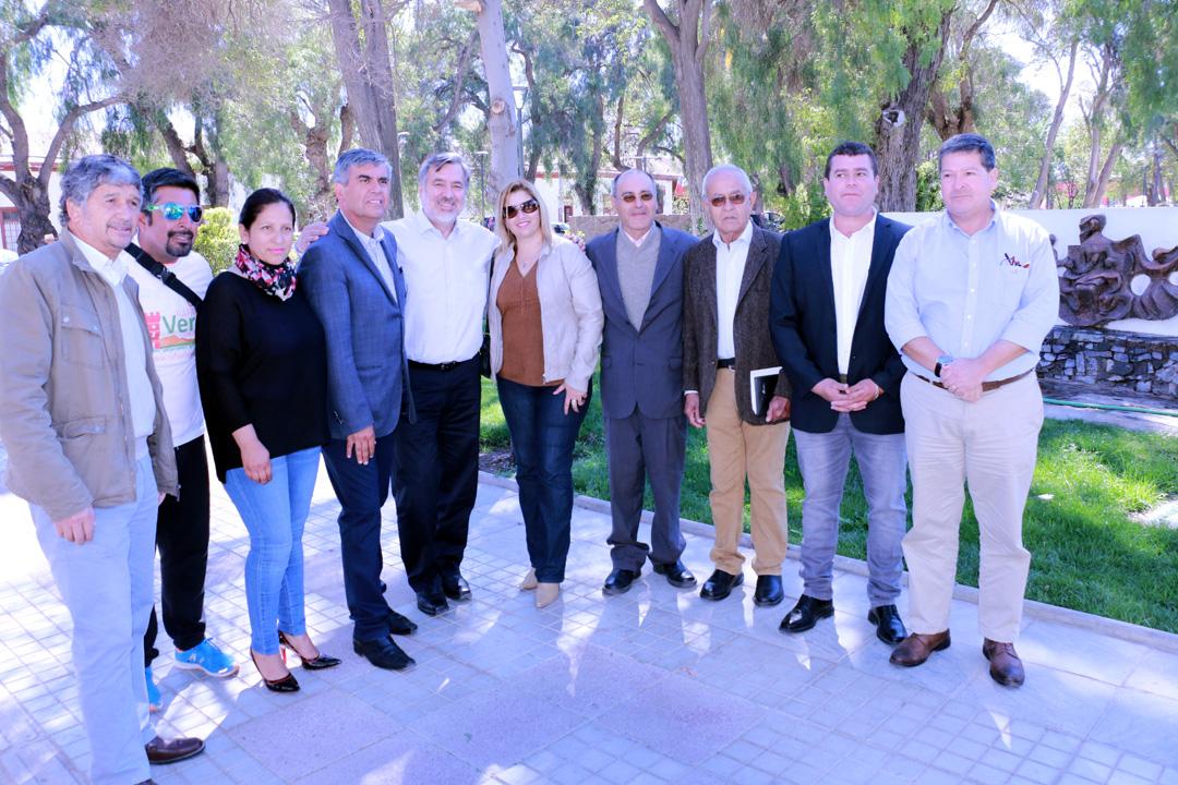 Photo of En visita en Vicuña el senador Alejandro Guillier dio su total respaldo a candidatos de la Nueva Mayoría