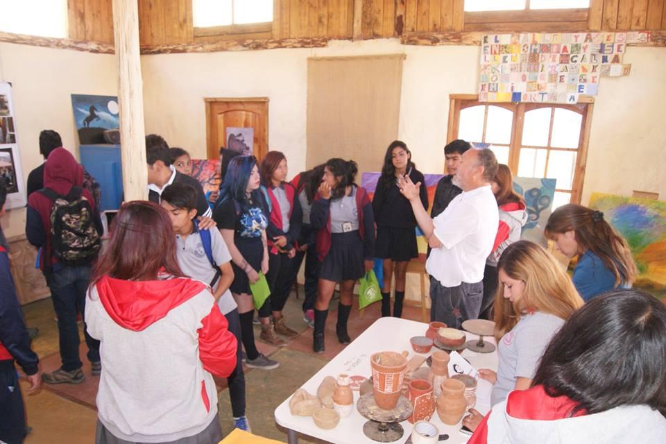 Photo of Estudiantes conocen oferta programática del Liceo Mistraliano de Paihuano para el año 2017
