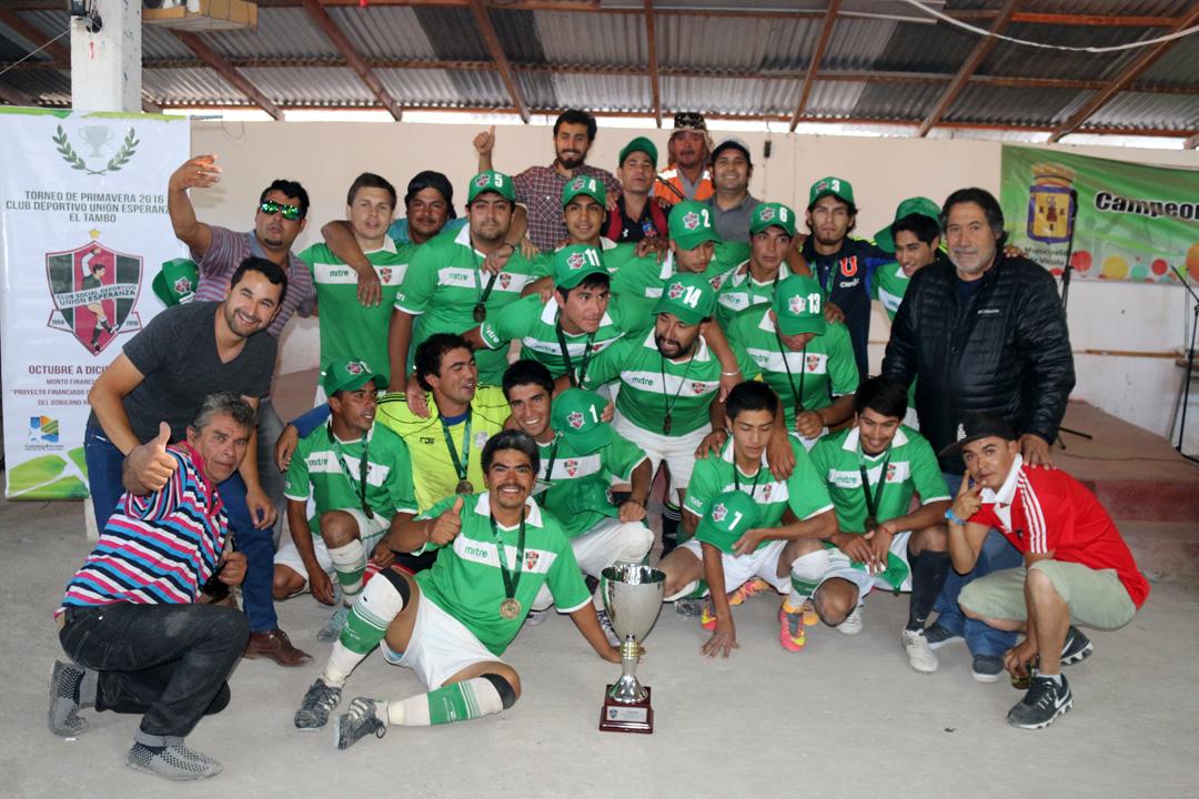Photo of Unión Esperanza levantó la copa de campeón del Torneo de Fútbol Rural de Primavera