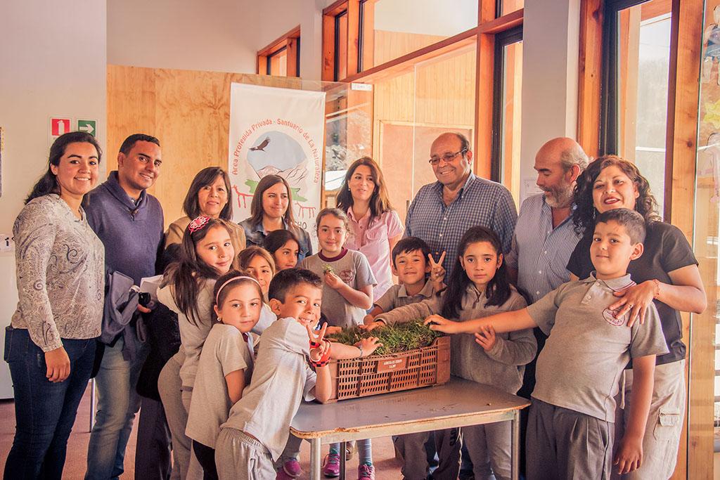 Photo of Difunden entre alumnos y docentes la biodiversidad del Santuario de la Naturaleza Estero Derecho